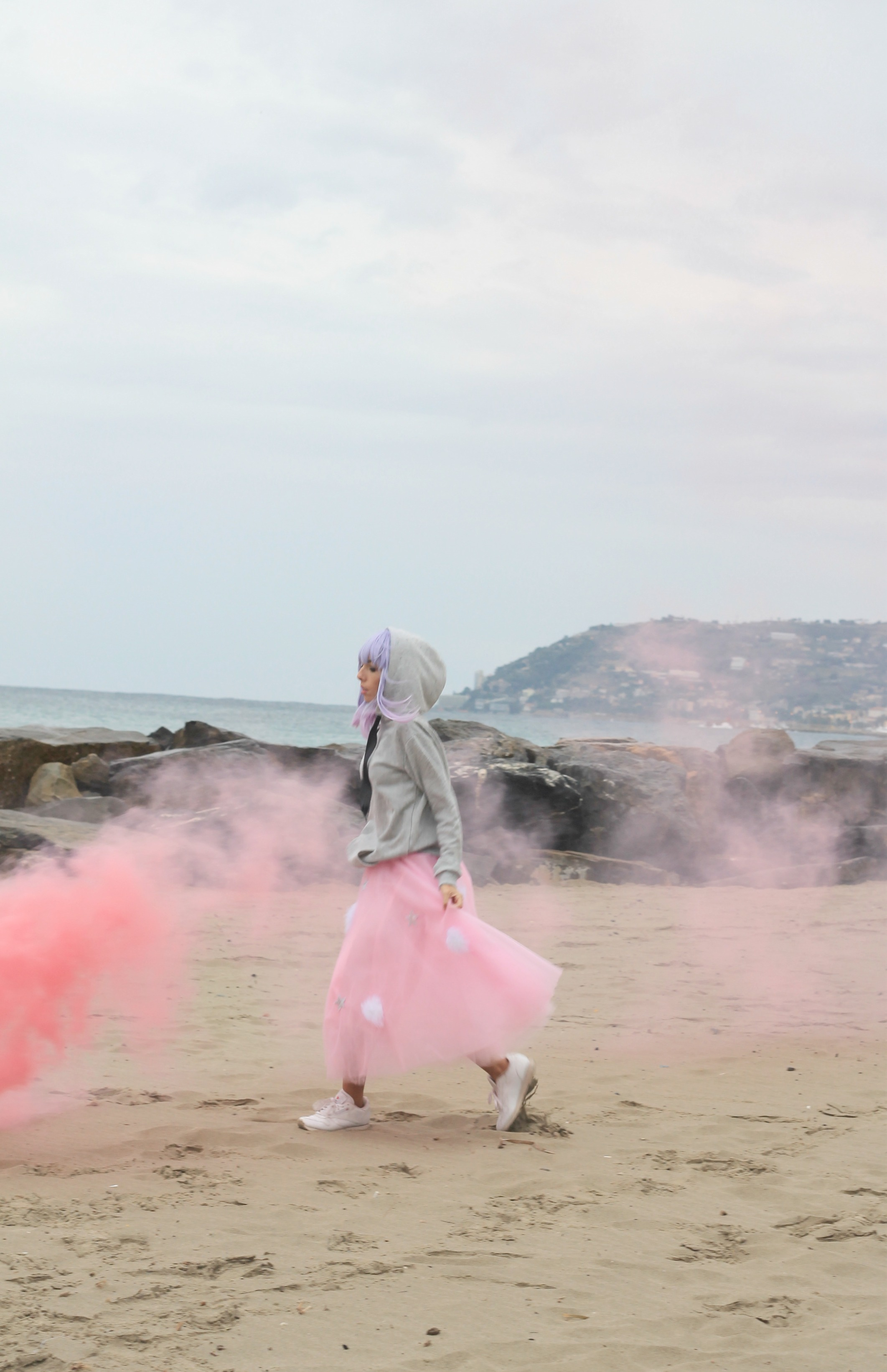 ossessioni strane, theladycracy.it, elisa bellino, pink smoke shooting, pink tulle dress, outfit fashion blogger autunno inverno 2016, tendenze moda autunno inverno 2016, come indossare gonna tulle, fashion blogger look fall winter 2016, pink lover look 2016, fashion blogger italiane 2016, fashion blogger famose 2016, fashion blogger più influenti 2016, fashion blogger milano 2016, elisa bellino,