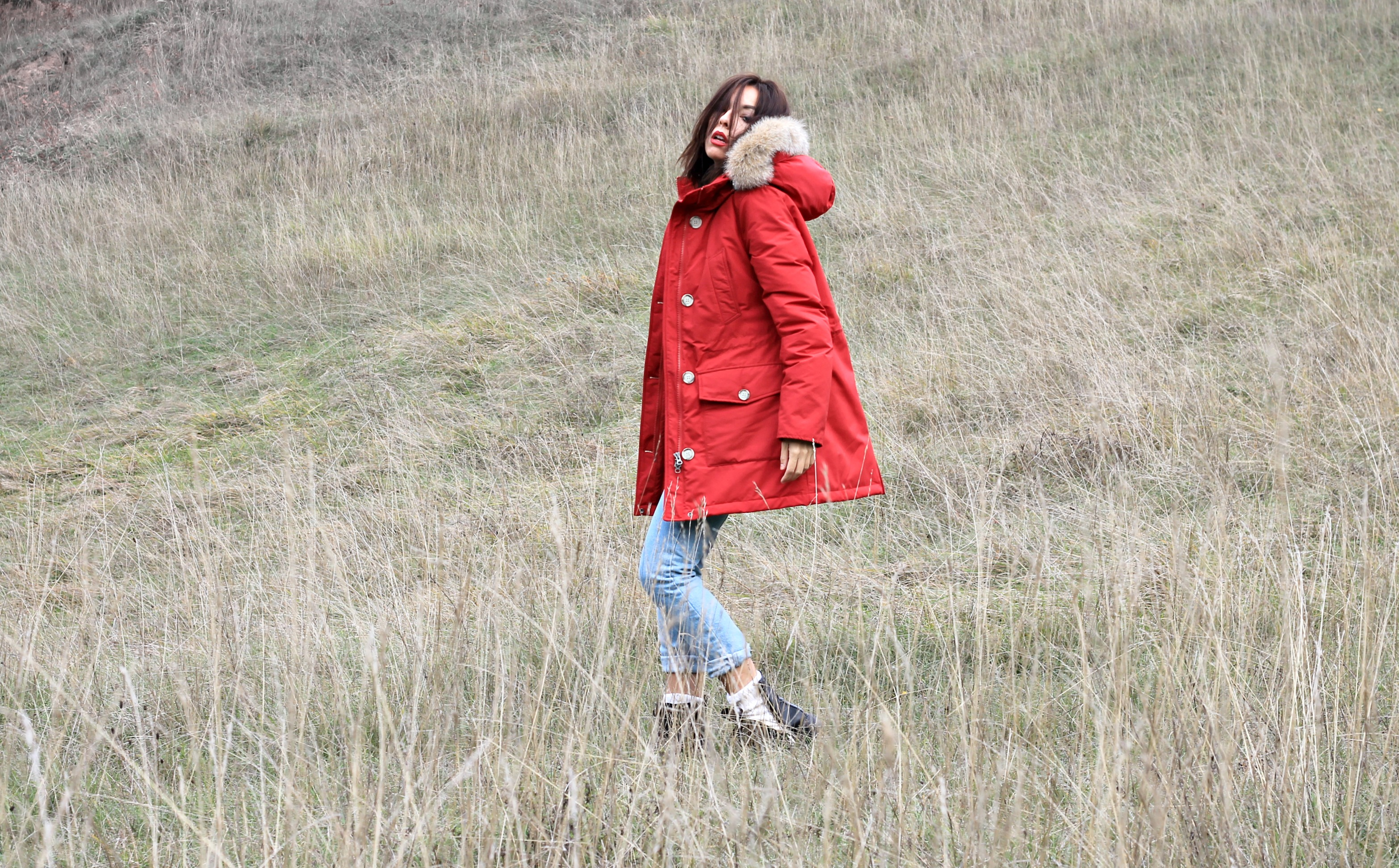 Woolrich Parka, Woolrich Parka 2016, Woolrich Parka blogger 2016, Woolrich Parka rosso inverno 2016, Woolrich Parka come si indossa, Woolrich Parka outfit 2016, sporty chic outfit inverno 2016, casual chic look inverno 2016, Woolrich Parka red winter 2016, elisa bellino, theladycracy.it, fashion blog italia 2016, fashion blogger italiane famose 2016, fashion blogger 2016, fashion blogger più influenti 2016, inverno outfit blogger 2016, come vestirsi quando fa freddo, come vestirsi quando si gela 2016,