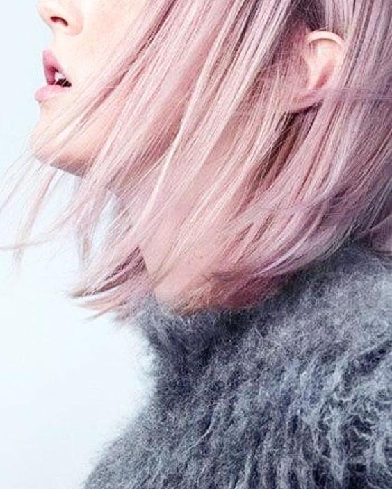 Tingersi i capelli, tingersi i capelli pastello, capelli rosa tinte, tinte capelli pastello, consigli tinte colorate 2017, tendenze capelli 2017, theladycracy.it, blogger moda 2017, fashion blog 2017, fashion blogger famose 2017, fashion blog italia 2017, blogger moda più seguite 2017, balayage rosa,