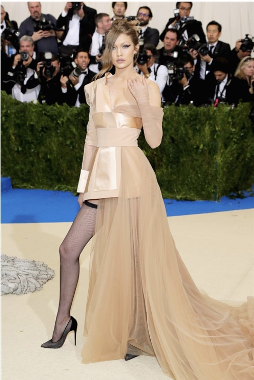 gigi hadid met gala 2017, Met Gala 2017, bella hadid met gala 2017, theladycracy.it, elisa bellino, fashion blog, fashion blog 2017, fashion blogger 2017, look da red carpet, come si vestono le star sui red carpet, rihanna met gala 2017
