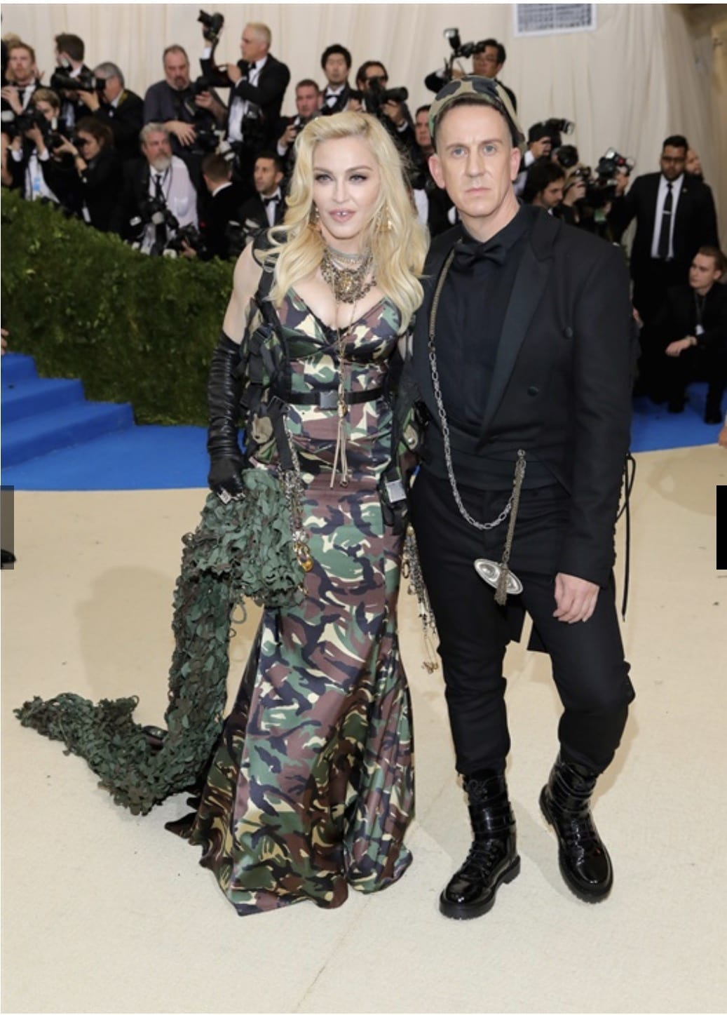 madonna moschino met gala 2017, Met Gala 2017, bella hadid met gala 2017, theladycracy.it, elisa bellino, fashion blog, fashion blog 2017, fashion blogger 2017, look da red carpet, come si vestono le star sui red carpet