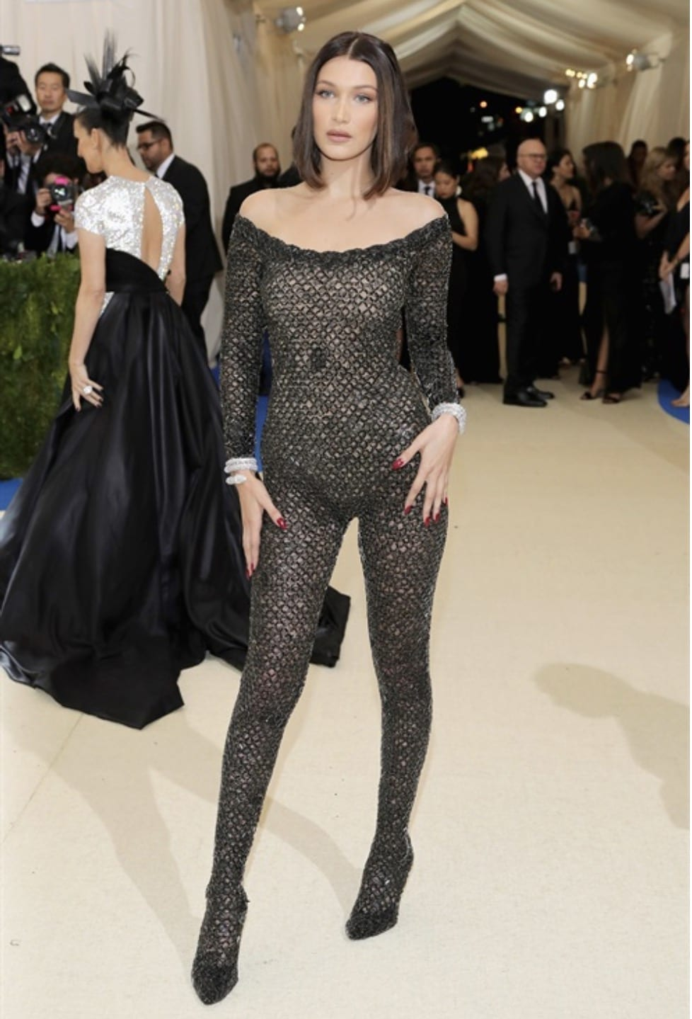 Met Gala 2017, bella hadid met gala 2017, theladycracy.it, elisa bellino, fashion blog, fashion blog 2017, fashion blogger 2017, look da red carpet, come si vestono le star sui red carpet