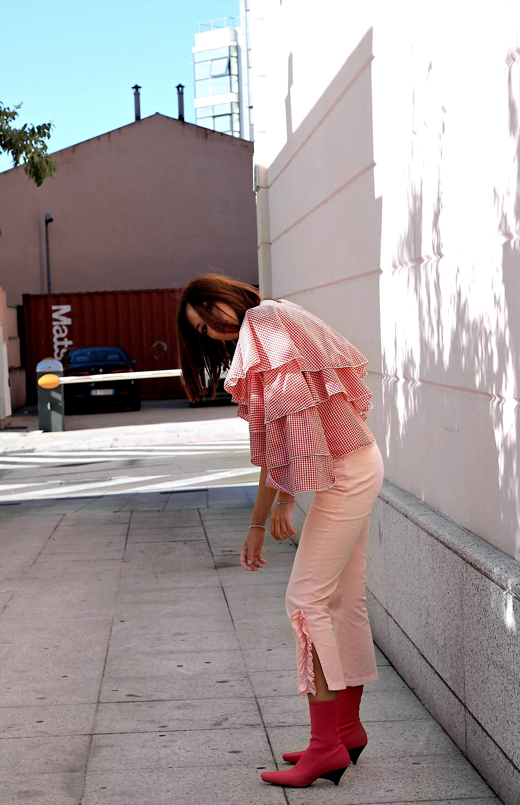 Valentino uomo SS 2018, theladycracy.it, elisa bellino, VLTN logo valentino, sfilata valentino ss 2018, fashion blog, fashion blogger italiane 2017, blogger moda più seguite 2017, fashion blogger famose 2017, fashion blogger milano 2017, outfit estivi 2017, pantaloni zara 2017, come vestirsi bene estate 2017, top loeil, top volant 2017, top spalle scoperte 2017, stivaletti zara estate 2017