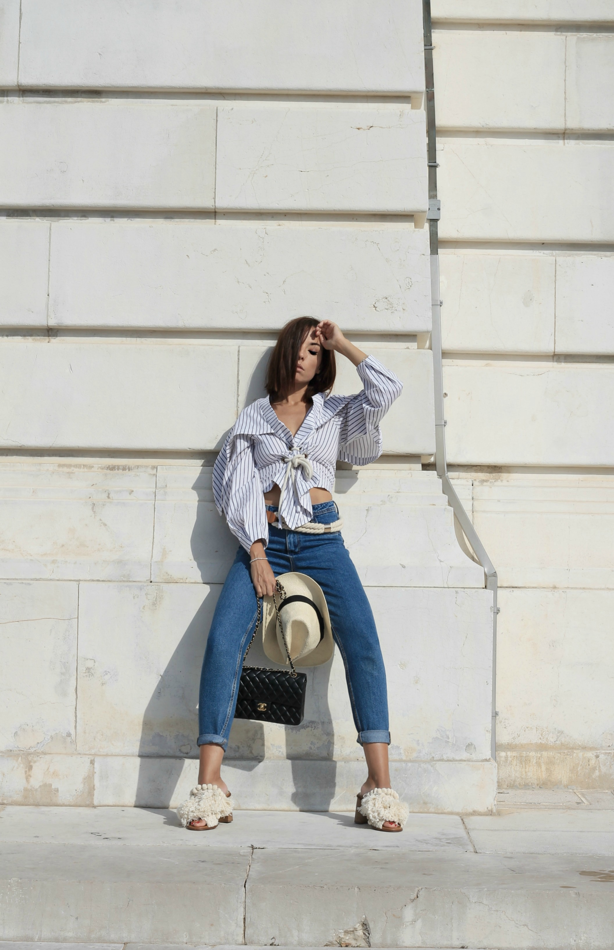 Amazon come funziona, amazon prime, amazon echo look come funziona, amazon wardrobe come funziona, casual chic outfit estate 2017, elisa bellino, theladycracy.it, asos white camicia, sandali zara 2017, chanel 2.55 originale, mom jeans zara 2017, blogger moda 2017, blog moda italiani 2017, fashion blogger italiane 2017, fashion blogger famose 2017, fashion blogger milano 2017, blogger moda più seguite 2017,