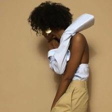Outfit moda 2017: di quell'esigenza di tirare fuori le spalle