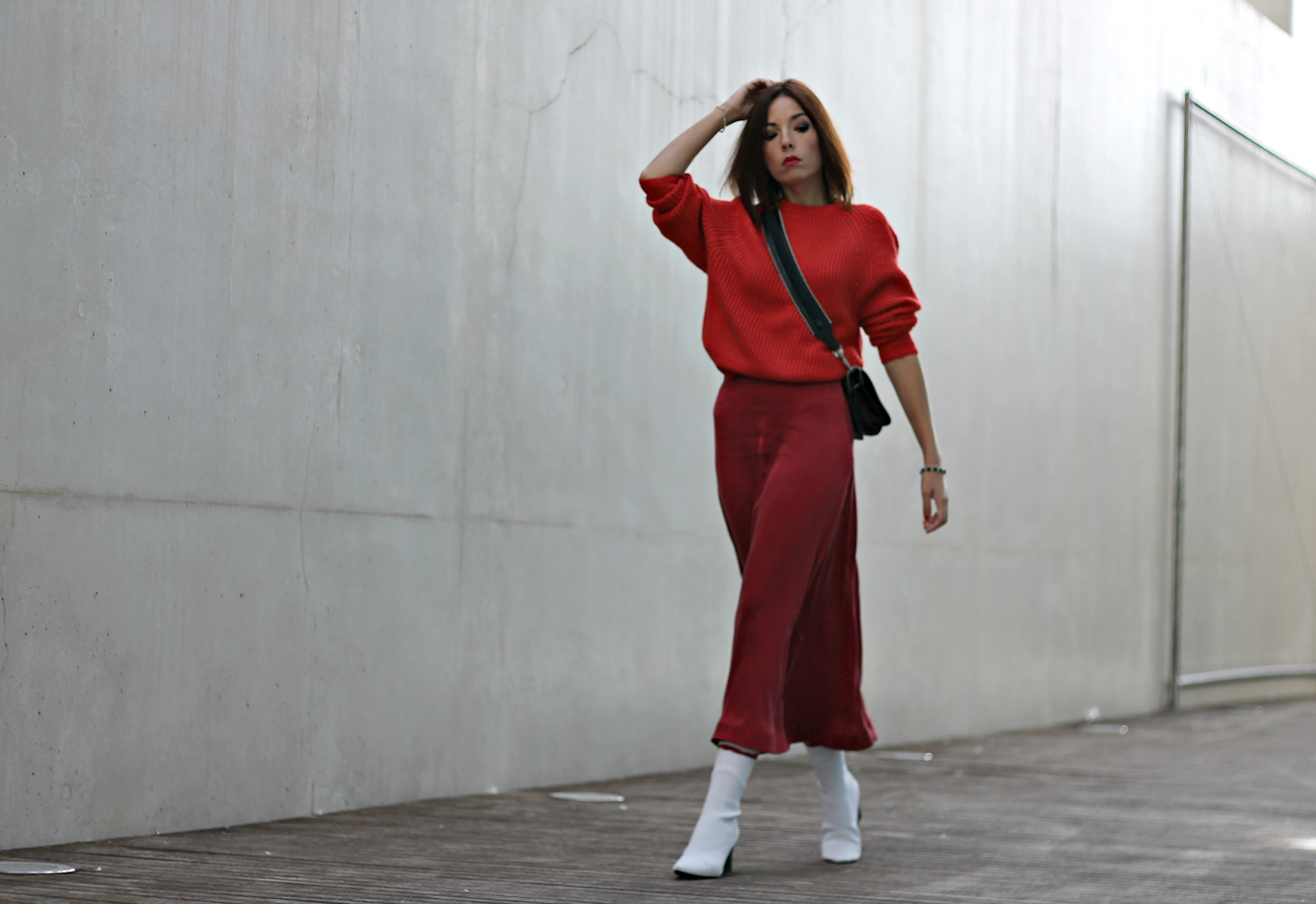 Noleggio abiti moda, theladycracy.it, elisa bellino, fashion blog 2017, fashion blogger più seguite 2017, blogger moda italiane instagram 2017, blogger più seguite instagram 2017, look rosso inverno 2017, total look rosso inverno 2017, stivali zara bianchi inverno 2017, come vestire rosso 2017, elisa bellino