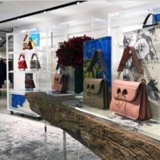 Jonathan Anderson stilista: che fighe le borse ma lui chi é?