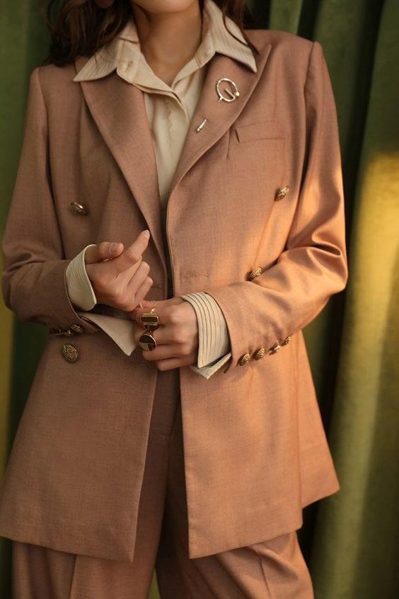 Outfit autunno 2018, tendenze moda autunno 2018, silky dress, colori autunno 2018, blazer autunno 2018