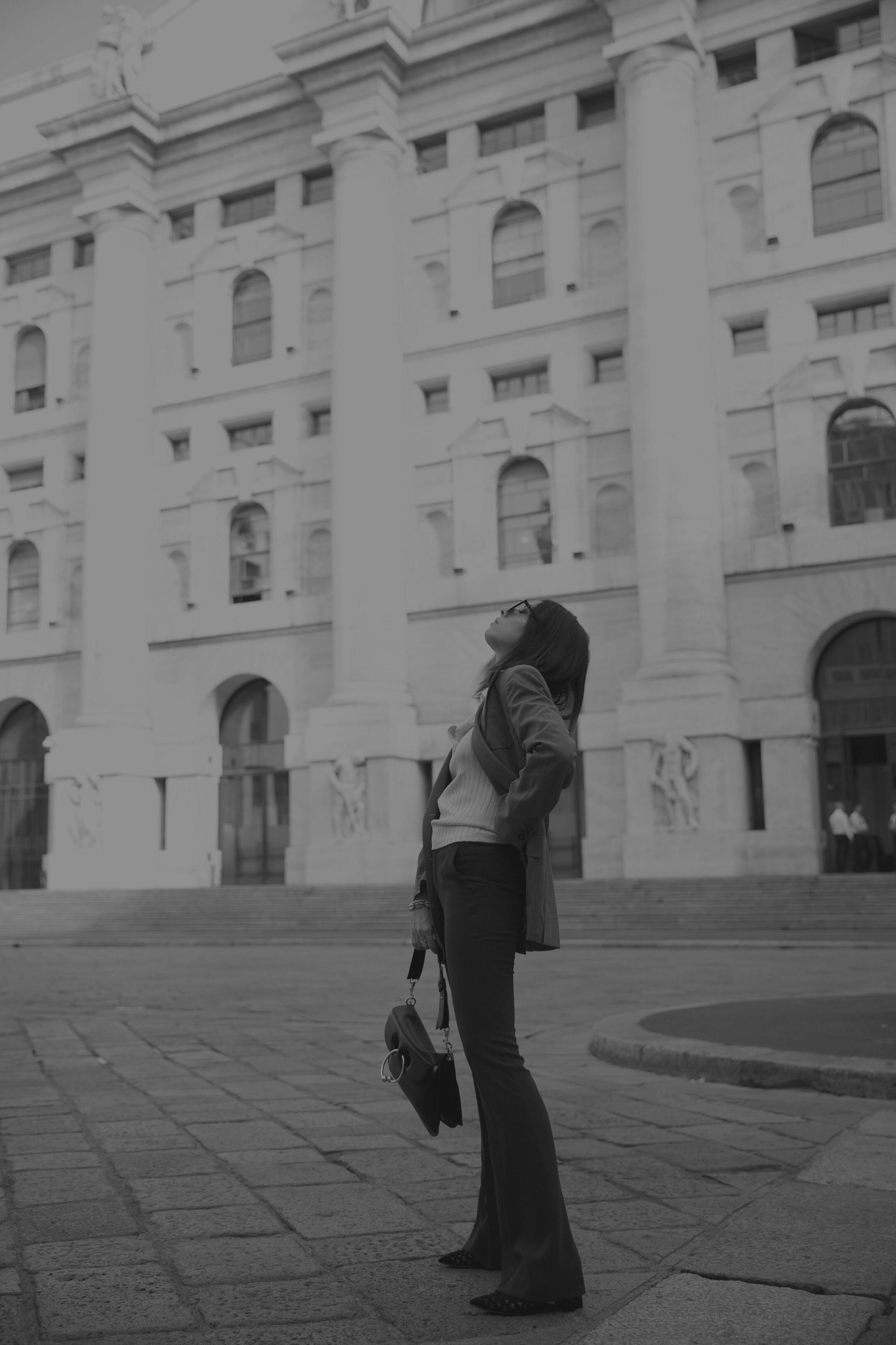 elisa bellino, come vestirsi autunno 2018, fashion blogger italia 2019, jil sander blazer, streetstyle milano settembre 2018, jw anderson bag pierce, fashion influencer milano 2019