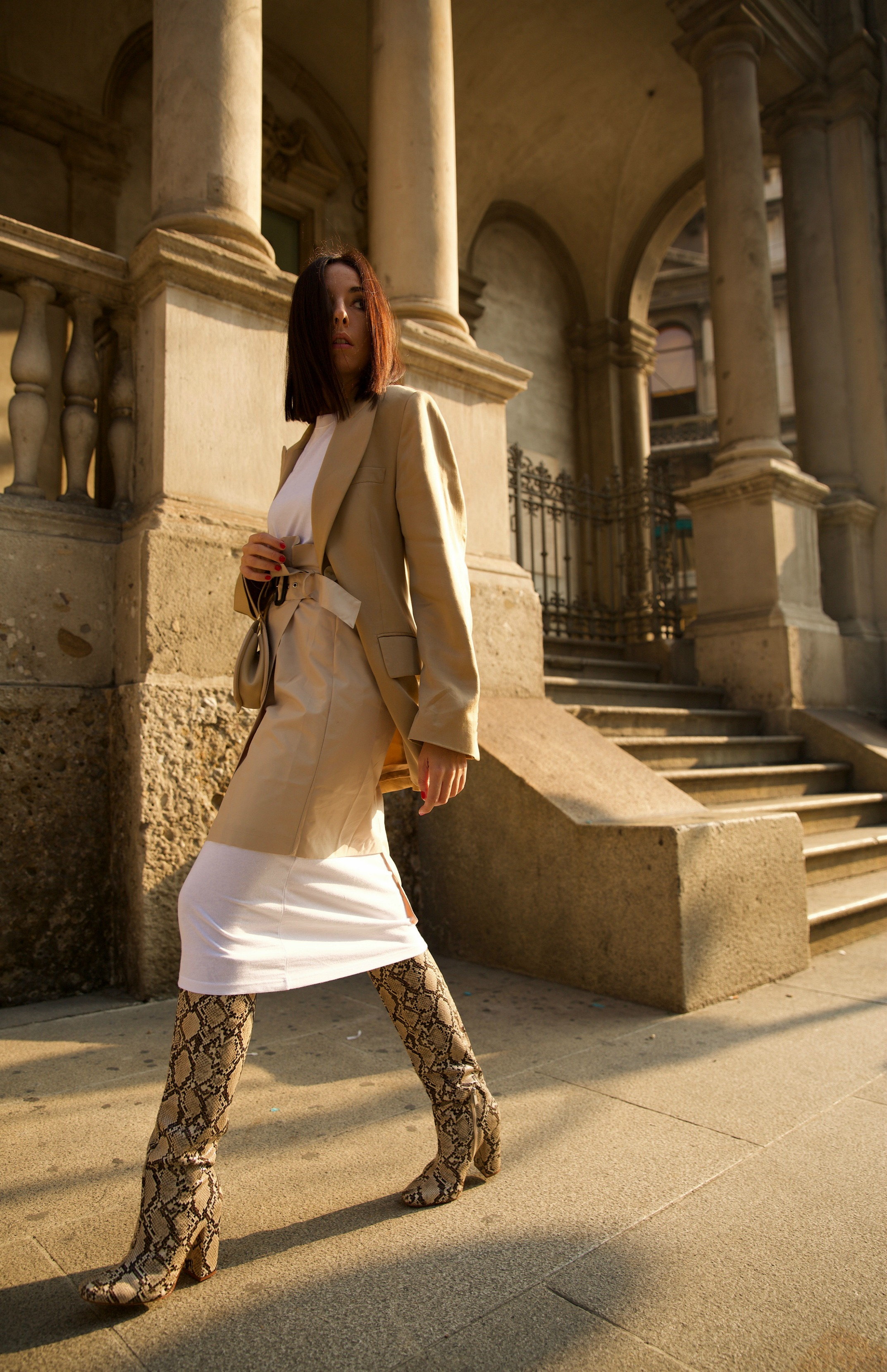 fashion editorial, elisa bellino, fashion blogger italiane 2019, fashion blog italia 2019, beige aesthetics, minimal style outfit, luxury blogger milano 2019, beige aesthetic