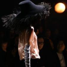Marchi di lusso moda 2019: prezzi folli senza prestigio, ora basta
