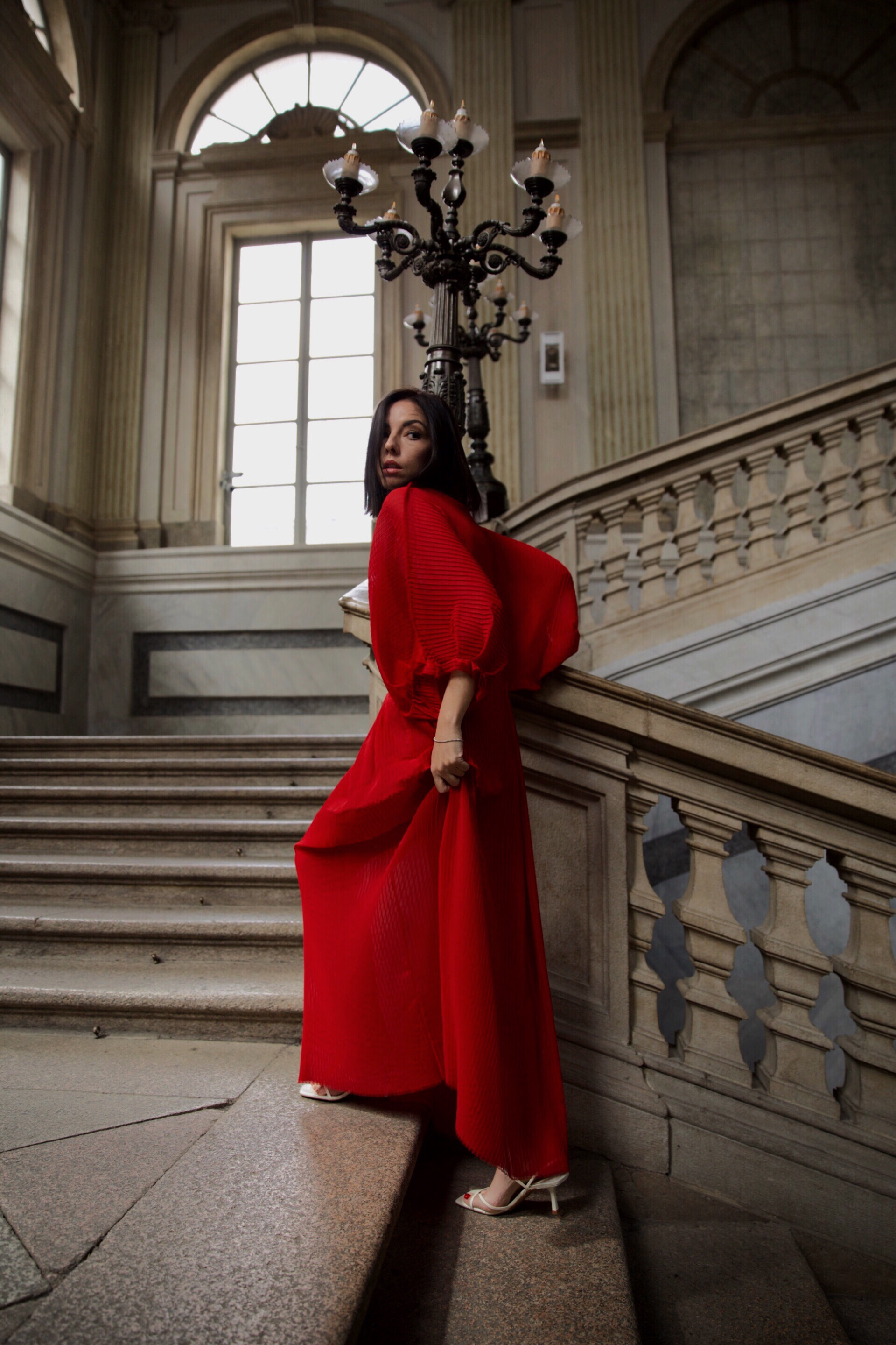 come abbinare abito rosso, elisa bellino, fashion blogger italiane 2019, fashion blogger milano, fashion blogger outfit 2019, slip dress outfit, magali pascal dress, streetstyle milano 2019, come vestirsi aperitivo milano 2019