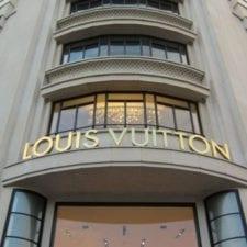 """LVMH Group: Arnault asso piglia tutto, salutiamo l' """"assolutismo"""" della moda"""