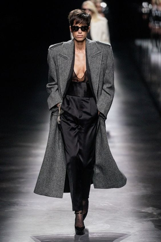 ultime tendenze moda 2019,  saint laurent sfilata autunno 2019, vestirsi settembre milano 2019, .jpg