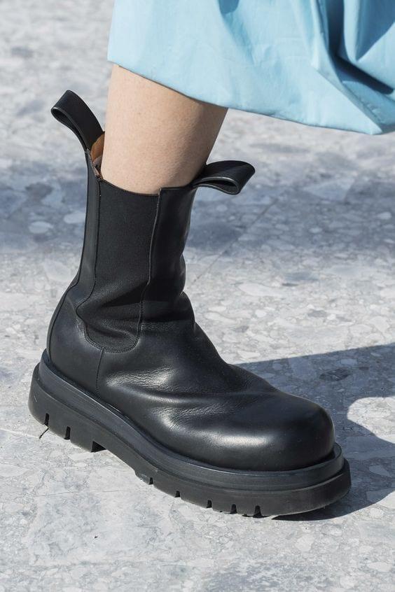 ultime tendenze moda 2019, vestirsi settembre milano 2019, stivali autunno 2019 .jpg