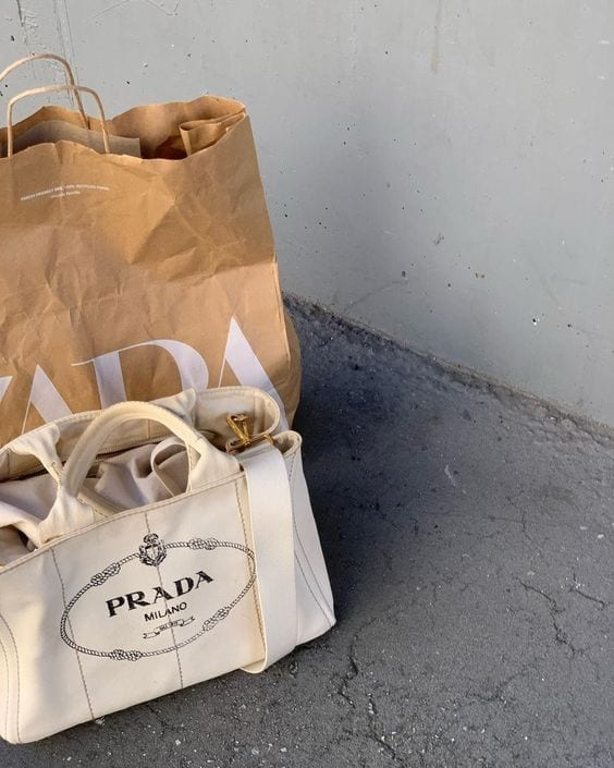 shopping abbigliamento femminine, second hand online